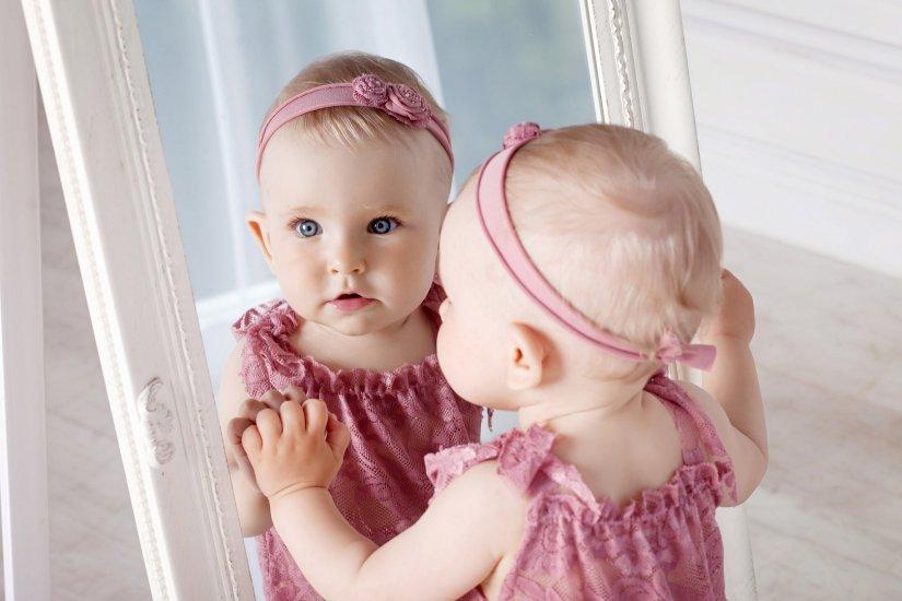 Trądzik niemowlęcy a skaza białkowa - jak rozpoznać u dziecka?