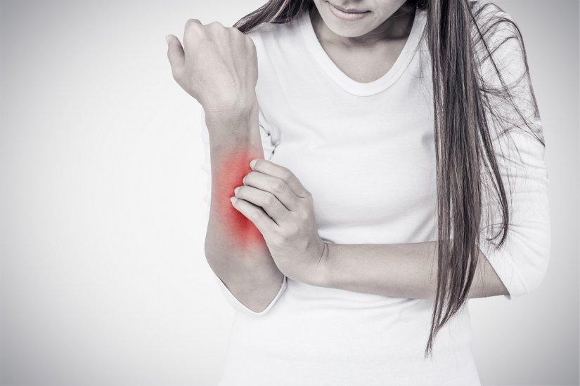 Łuszczyca - 8 rad jak żyć z tą chorobą! Przyczyny powstawania, objawy i leczenie łuszczycy.