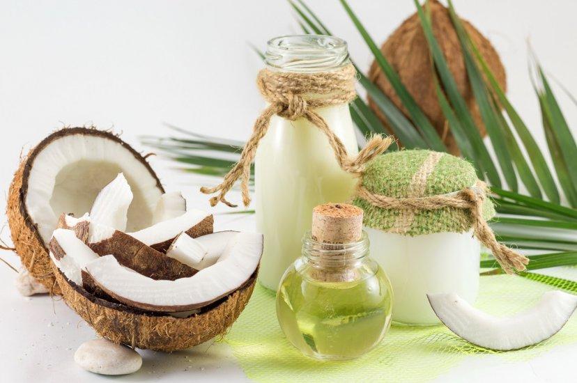 Olej kokosowy: niesamowite właściwości i zastosowania nie tylko na włosy i twarz!